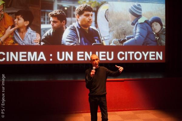 Michel Amarger, journaliste à RFI accompagne le film Galère de femmes de Jean-Michel Carré